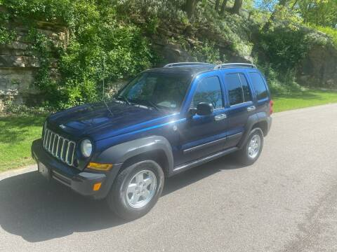 2007 Jeep Liberty Sport for sale at Bogie's Motors in Saint Louis MO