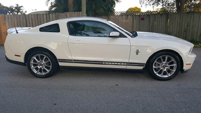 2010 ford mustang v6 premium 2dr coupe ebay. Black Bedroom Furniture Sets. Home Design Ideas