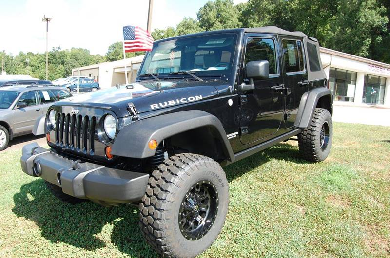 2010 Jeep Wrangler Unlimited for sale at Modern Motors - Thomasville INC in Thomasville NC