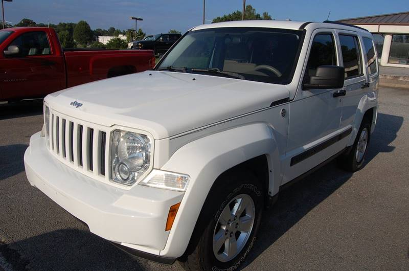 2011 Jeep Liberty for sale at Modern Motors - Thomasville INC in Thomasville NC