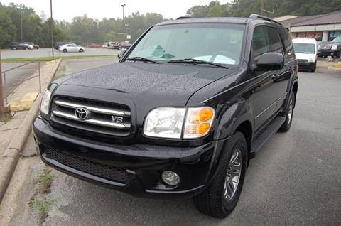 2004 Toyota Sequoia for sale at Modern Motors - Thomasville INC in Thomasville NC