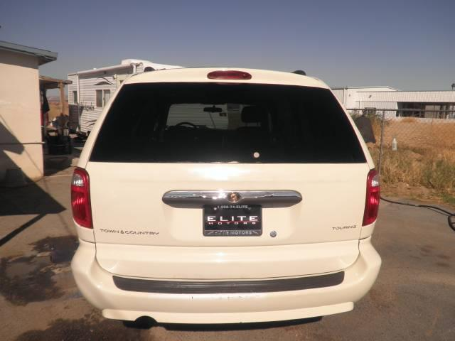 2007 Chrysler Town and Country Touring - Victorville CA