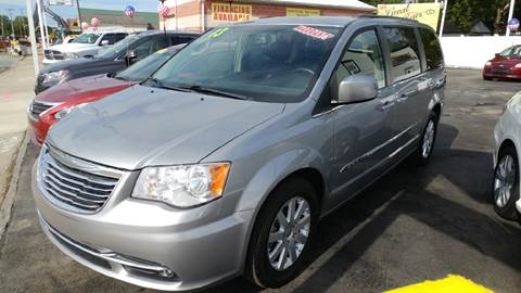 2013 Chrysler Town and Country for sale in Middletown, DE