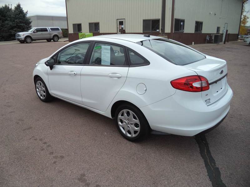 2013 Ford Fiesta SE 4dr Sedan - Sioux City IA