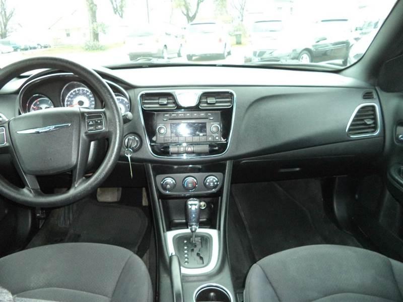 2012 Chrysler 200 LX 4dr Sedan - Sioux City IA
