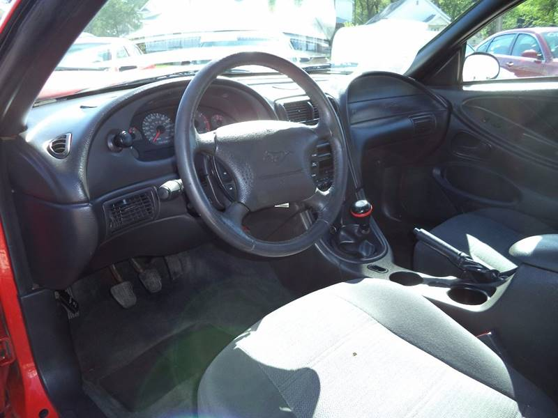 2001 Ford Mustang Base 2dr Coupe - Sioux City IA