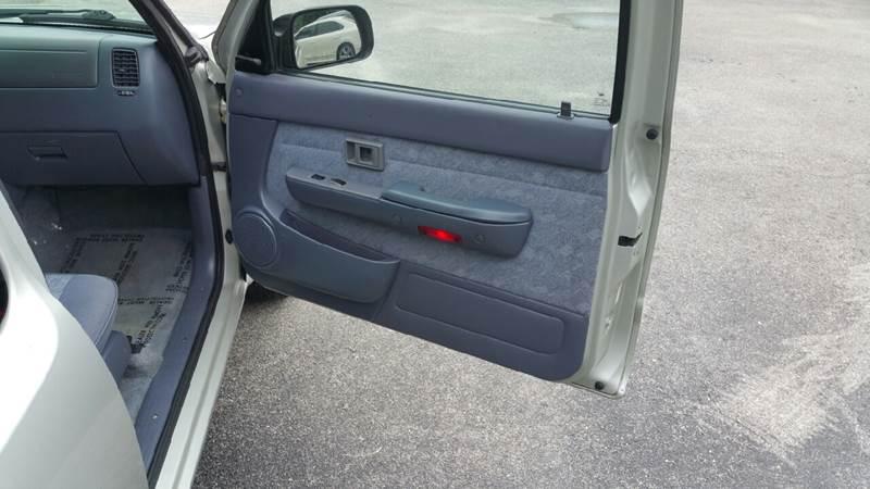 2000 Toyota Tacoma 2dr SR5 Extended Cab SB - Orlando FL
