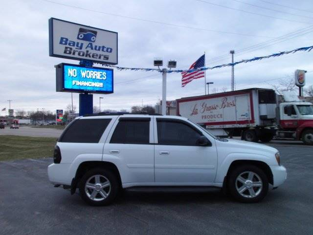 2008 CHEVROLET TRAILBLAZER LT2 4X4 4DR SUV white all of bay auto brokers pre-owned vehicles go th