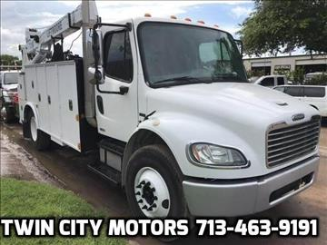 2004 Freightliner Business class M2 for sale in Houston, TX