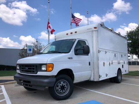 2004 Ford E-Series Chassis for sale at TWIN CITY MOTORS in Houston TX