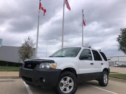 2005 Ford Escape for sale at TWIN CITY MOTORS in Houston TX