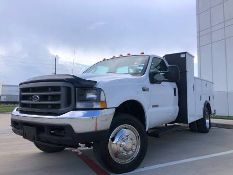 2004 Ford F-550 Super Duty for sale at TWIN CITY MOTORS in Houston TX