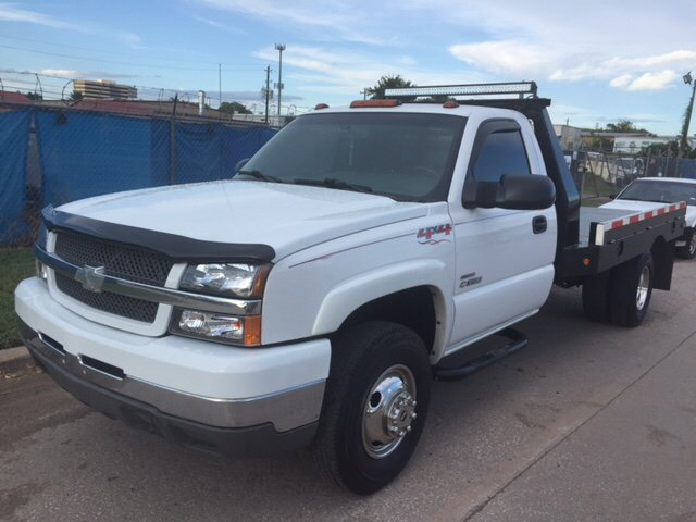 2004 Chevrolet Silverado 3500 for sale at TWIN CITY MOTORS in Houston TX