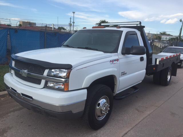 2004 Chevrolet Silverado 3500 for sale at TWIN CITY MOTORS in Houston TX