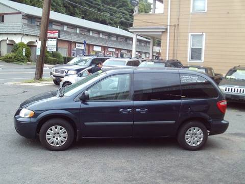 2007 Chrysler Town and Country for sale in Waterbury, CT