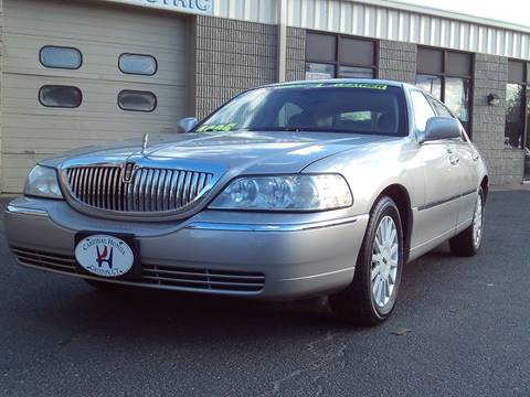 2005 Lincoln Town Car for sale in Waterbury, CT
