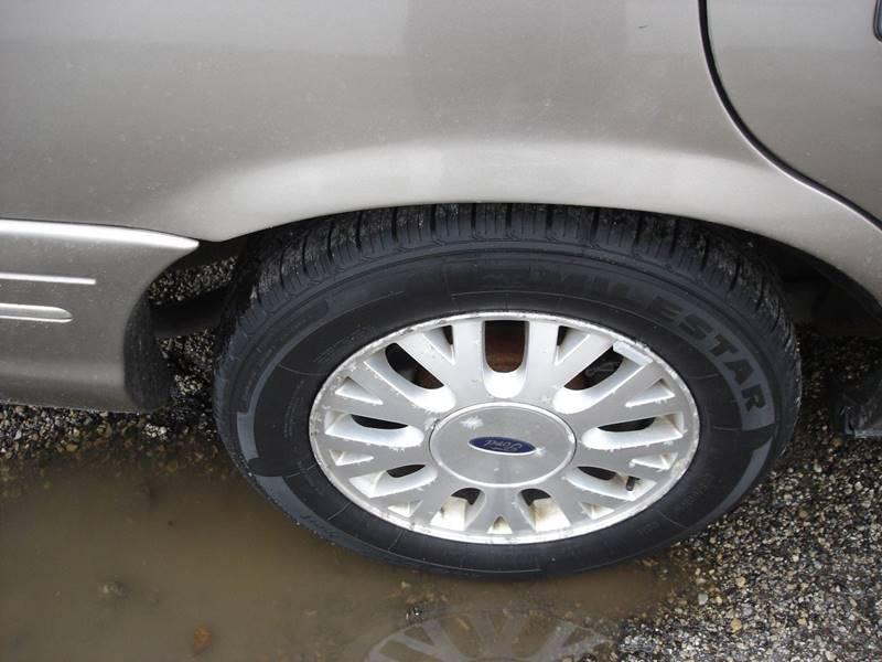 2004 Ford Crown Victoria LX 4dr Sedan In Decatur IL - Martys Auto Sales