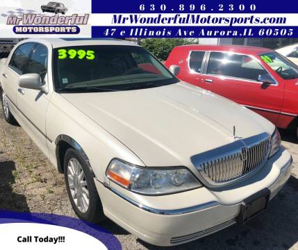 2004 Lincoln Town Car for sale at Mr Wonderful Motorsports in Aurora IL