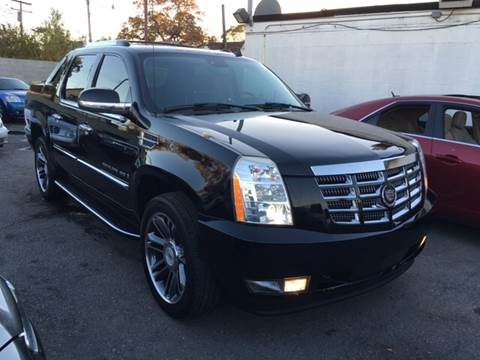 2007 Cadillac Escalade EXT for sale at Twin's Auto Center Inc. in Detroit MI