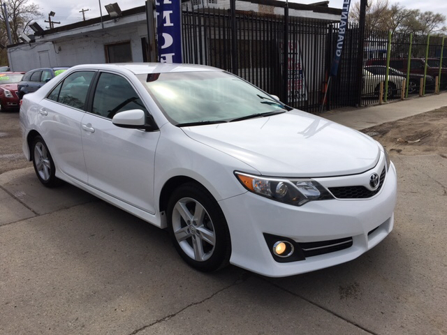 2014 Toyota Camry for sale at Twin's Auto Center Inc. in Detroit MI