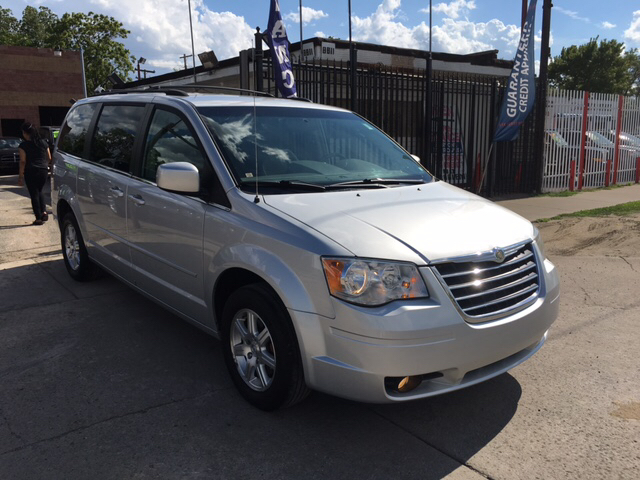 2008 Chrysler Town and Country for sale at Twin's Auto Center Inc. in Detroit MI