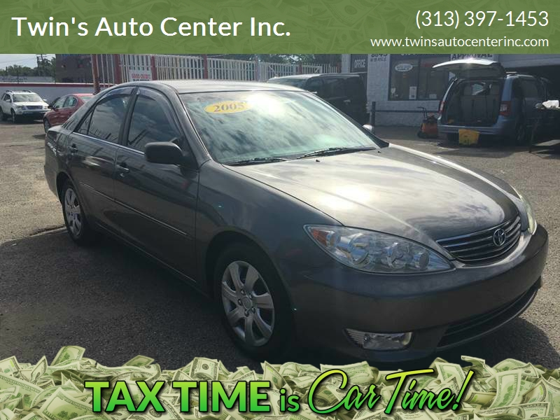 2005 Toyota Camry car for sale in Detroit