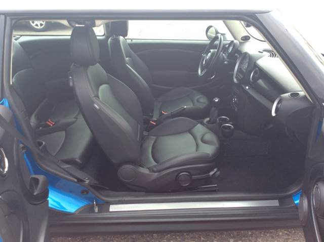 2011 MINI Cooper Clubman for sale at MOTORS N MORE in Brainerd MN