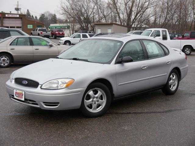2005 Ford Taurus for sale at MOTORS N MORE in Brainerd MN