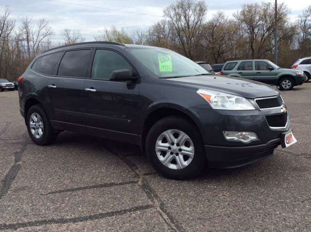 2009 Chevrolet Traverse for sale at MOTORS N MORE in Brainerd MN