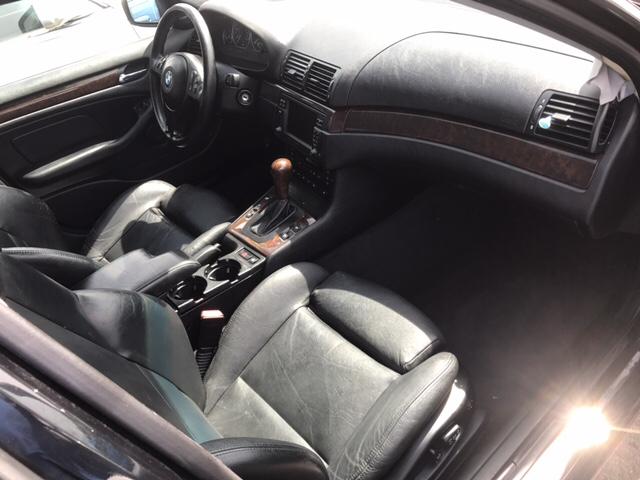 2003 BMW 3 Series 330xi (image 7)