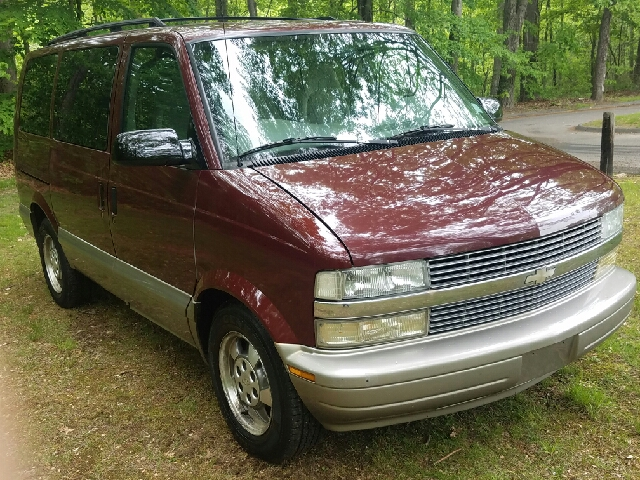 2003 Chevrolet Astro for sale at Choice Motor Car in Plainville CT