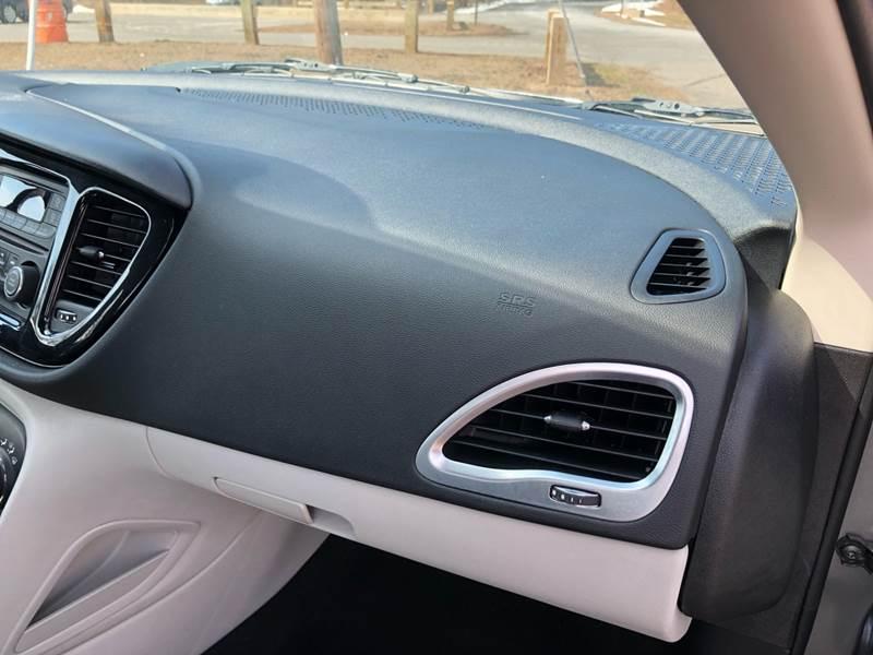 2013 Dodge Dart SXT (image 38)