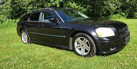 2005 Dodge Magnum for sale at Choice Motor Car in Plainville CT