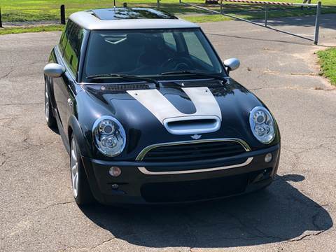 2006 MINI Cooper S for sale at Choice Motor Car in Plainville CT