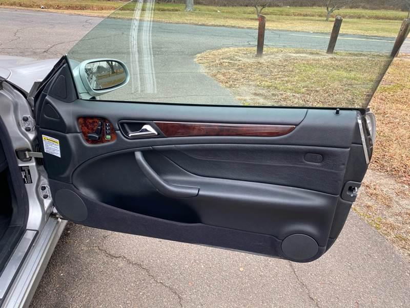 2002 Mercedes-Benz CLK CLK 320 (image 23)