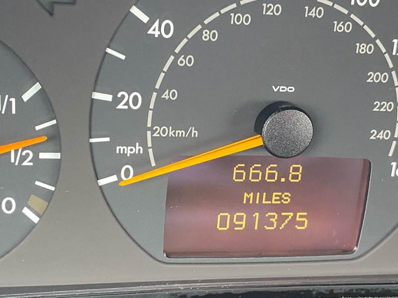 2002 Mercedes-Benz CLK CLK 320 (image 41)