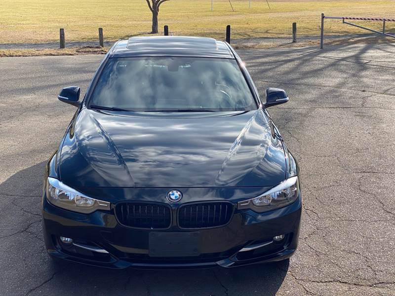 2013 BMW 3 Series 328i xDrive (image 10)