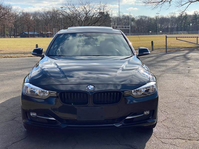 2013 BMW 3 Series 328i xDrive (image 11)