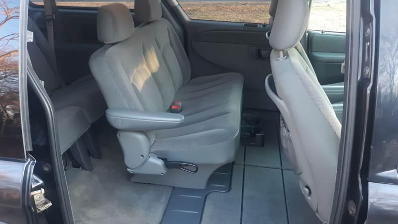2007 Dodge Grand Caravan SE (image 4)