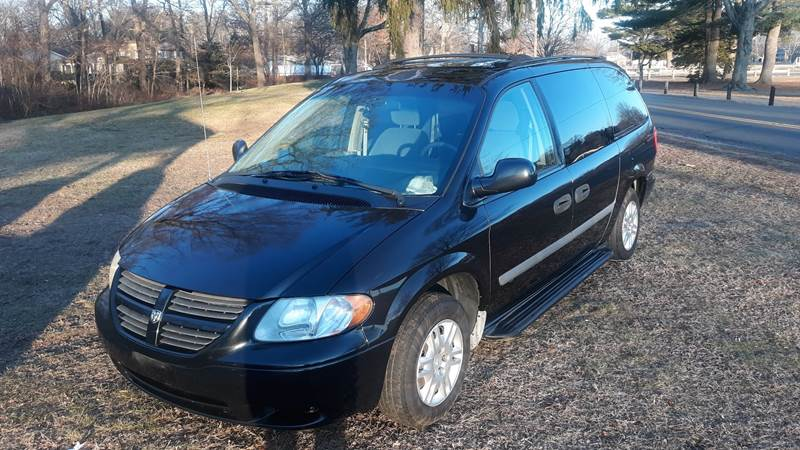 2007 Dodge Grand Caravan SE (image 2)