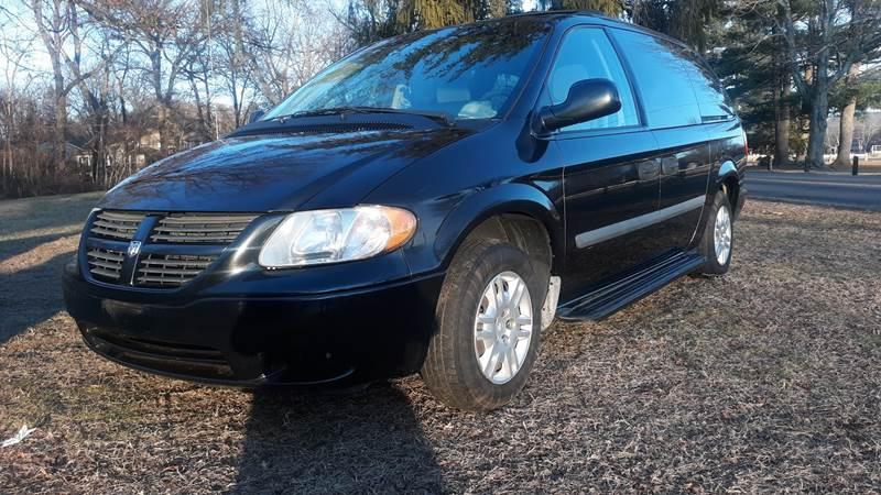 2007 Dodge Grand Caravan SE (image 3)