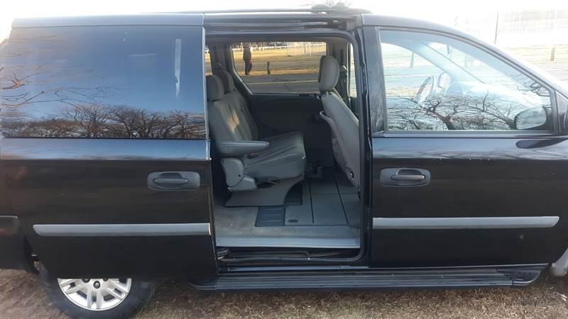 2007 Dodge Grand Caravan SE (image 19)