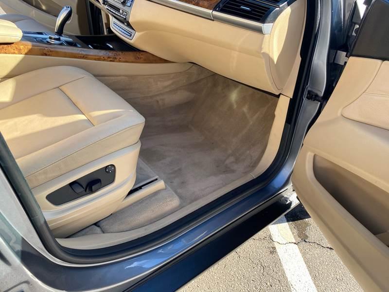2008 BMW X5 3.0si (image 24)