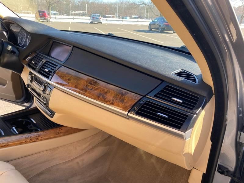 2008 BMW X5 3.0si (image 25)