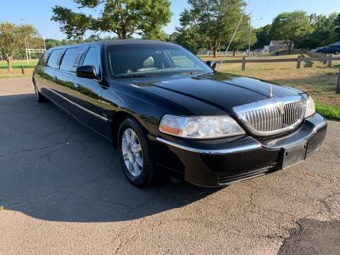 2010 Lincoln Town Car for sale at Choice Motor Car in Plainville CT