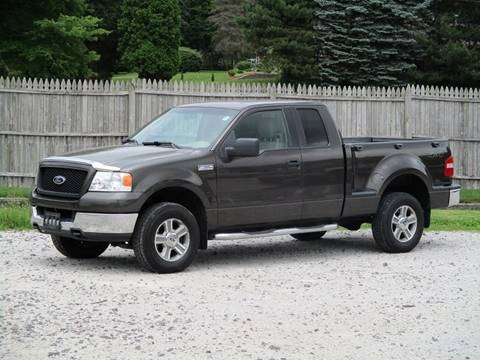 2005 Ford F-150 for sale at JEFF MILLENNIUM USED CARS in Canton OH