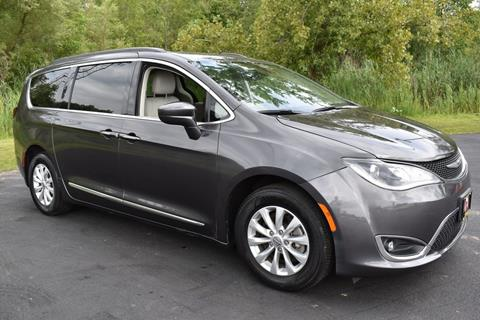 2017 Chrysler Pacifica for sale in Bridgeport, NY