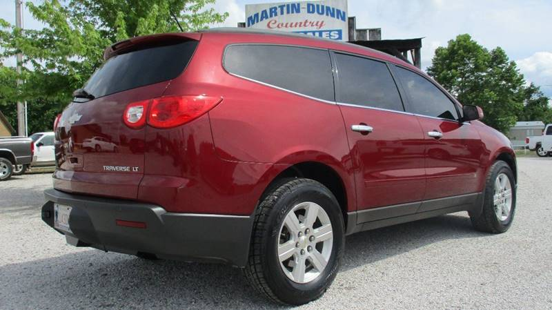 2010 Chevrolet Traverse for sale at MARTIN DUNN COUNTRY AUTO SALES INC. in Wister OK