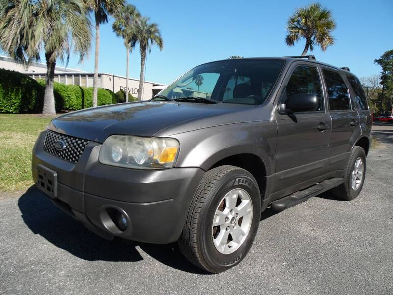 2005 Ford Escape for sale at The Peoples Car Company in Jacksonville FL