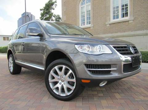 2010 Volkswagen Touareg for sale at FLORIDACARSTOGO in West Palm Beach FL